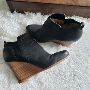 Crown Vintage Carly Leather Wedge